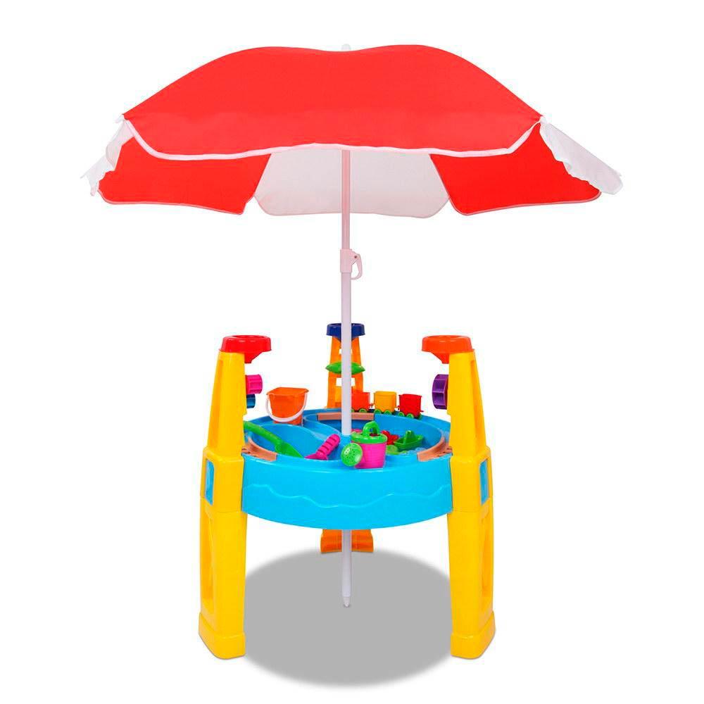 zand en waterspeeltafel met parasol